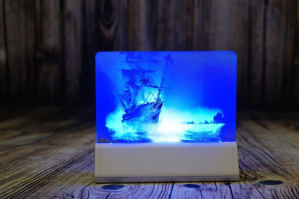 Акрилайт - Изготовление рекламы Мск настольный бизнес-сувенир с подсветкой светящийся логотип компании корпоративный подарок