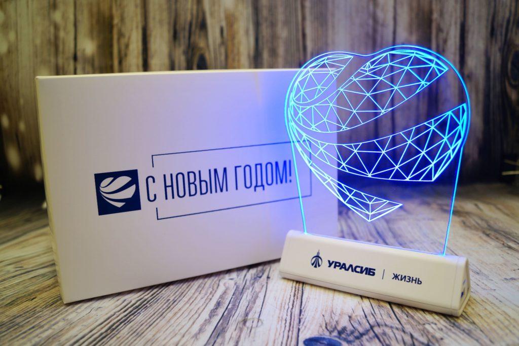 Акрилайт настольный Питер настольный бизнес-сувенир с подсветкой светящийся логотип компании корпоративный подарок УралСиб