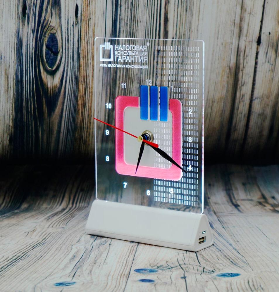 СВЕТОЗАР ЧАСЫ настольный бизнес сувенир акрилайт с подсветкой логотип компаний настольный бизнес-сувенир с подсветкой светящийся логотип компании корпоративный подарок часы